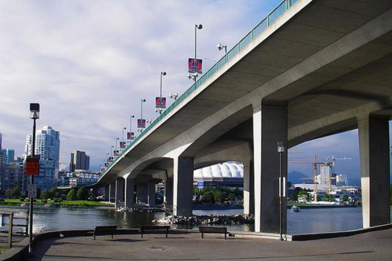 Seismic upgrade of Knight Street Bridge, Vancouver, Canada.